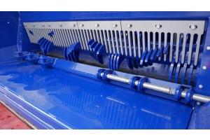 Vnitřek komory se systémem brzdění na vnitřní lano (bez branky)